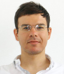 worked in our group until as a post-doc on wetting phenomena in complex geometries. After further stays at the Department of Physics at Durham University (UK) and the department of Mechanical Engineering of the University of Edinburgh (UK), he joined Northumbria university in Newcastle (UK) as Vice-Chancellor fellow in the MDRT of Future Engineering in 2016.